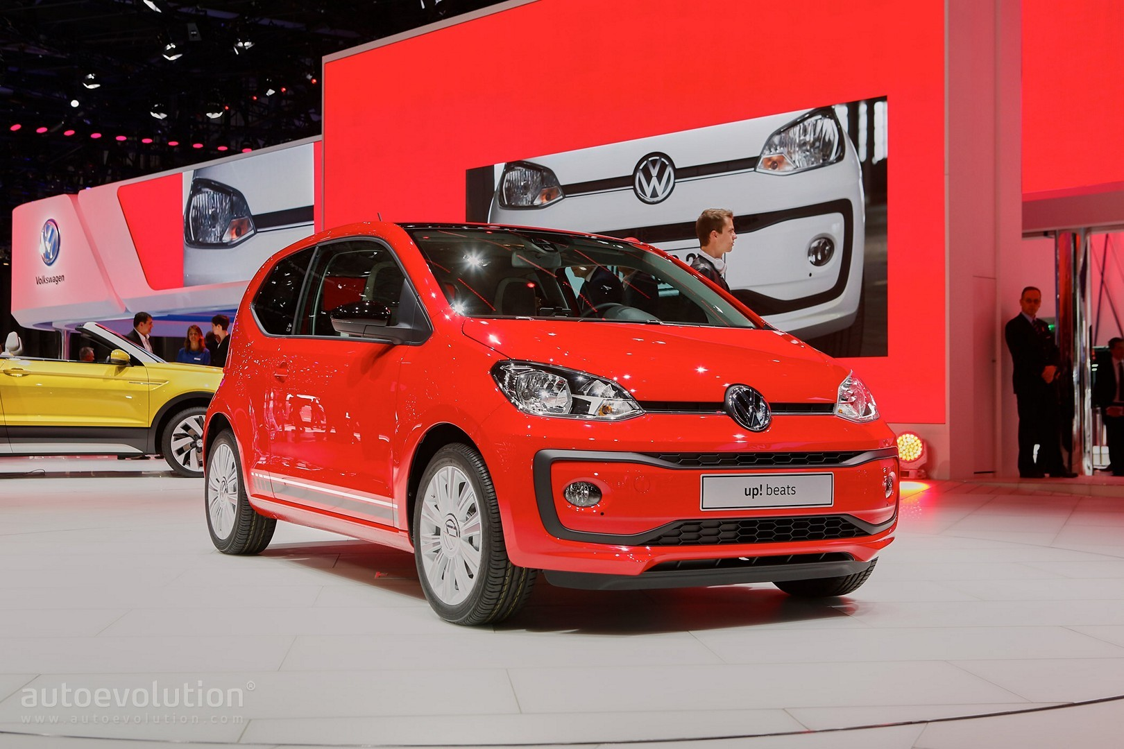 volkswagen up facelift akan hadir tahun depan di pasar brasil. Black Bedroom Furniture Sets. Home Design Ideas