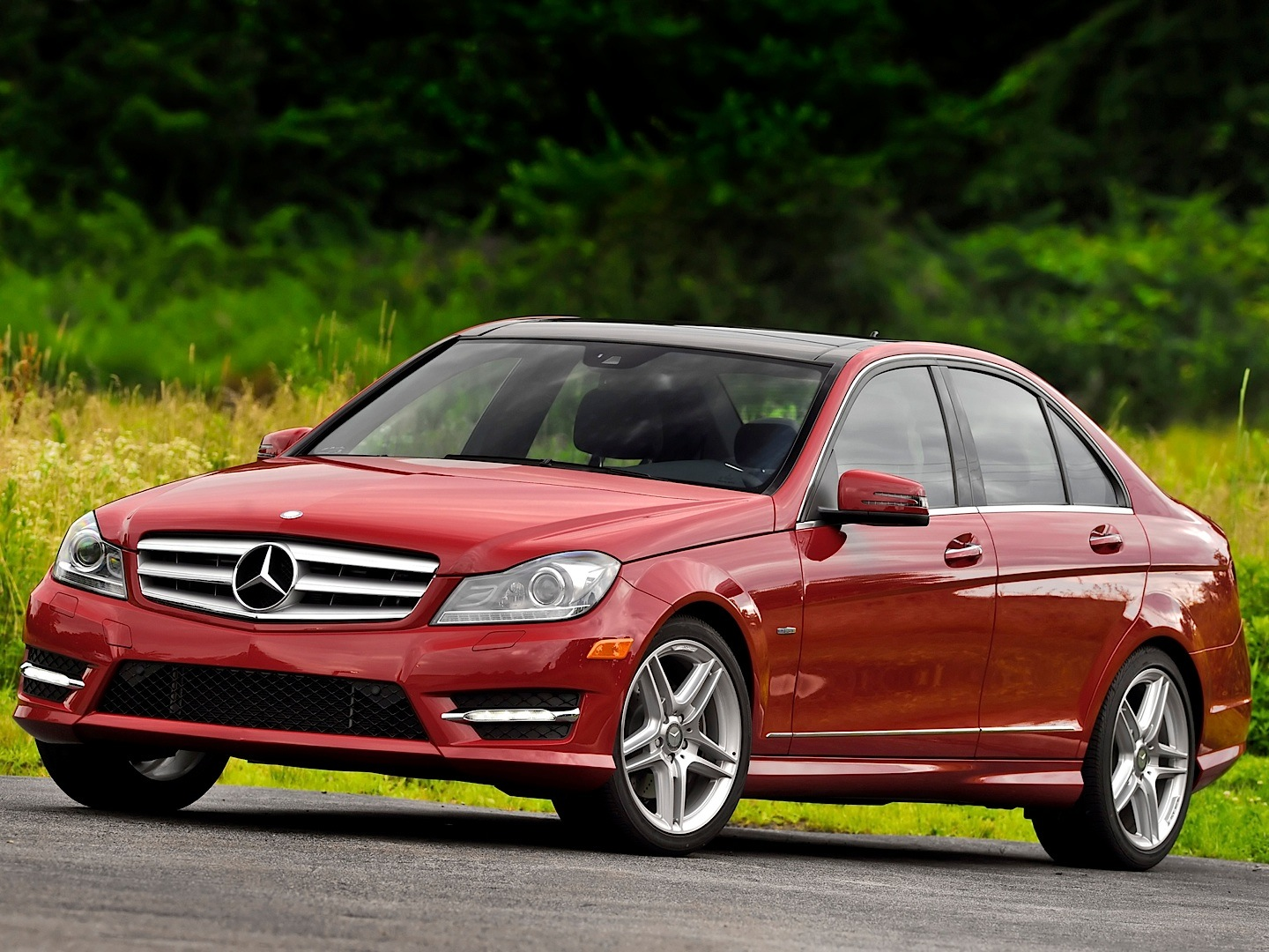 Mercedes benz usa recalls c class w204 for taillights for Usa mercedes benz