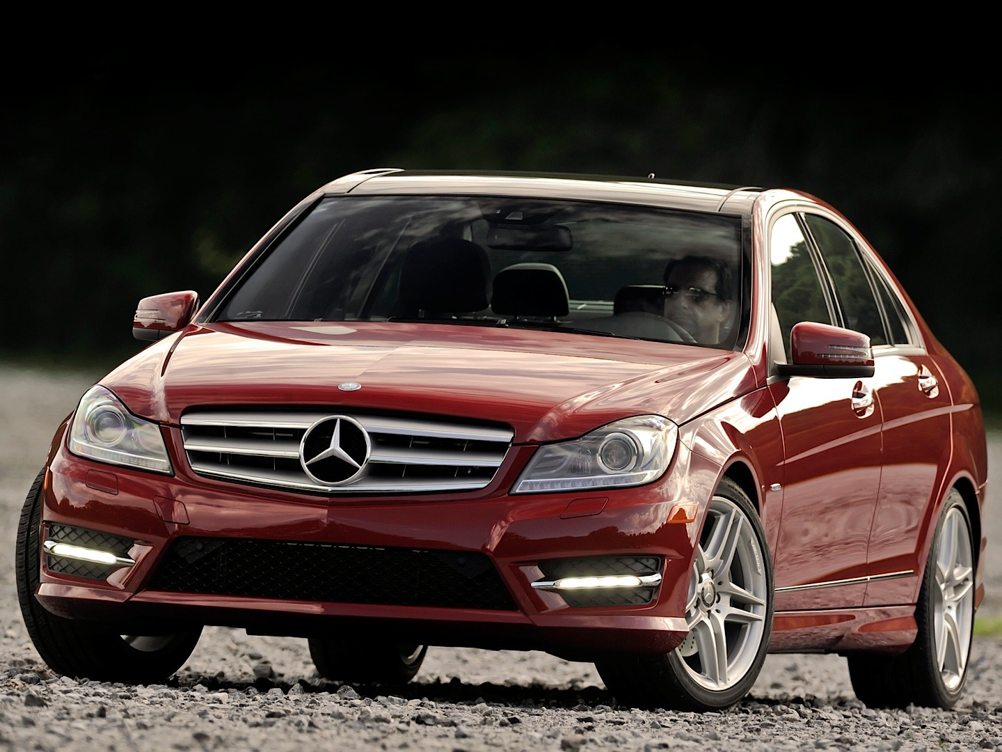 Mercedes benz usa recalls c class w204 for taillights for Mercedes benz use
