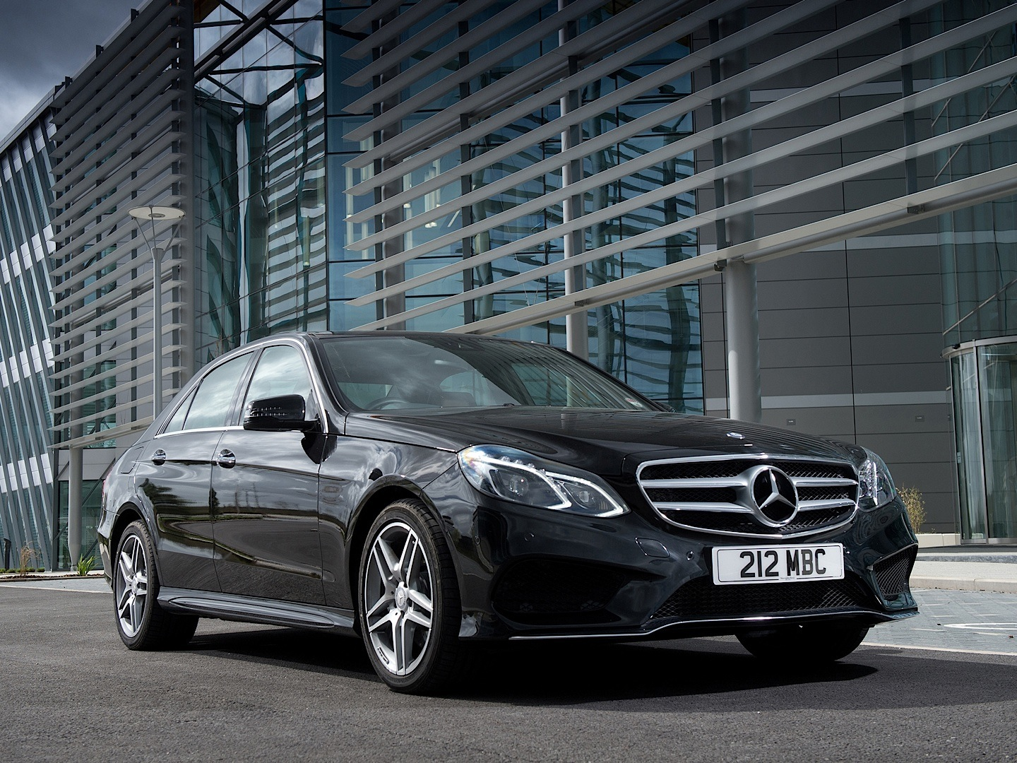 Junk Car Buyer >> W212 E-Class Facelift Gets Reviewed by CarBuyer ...