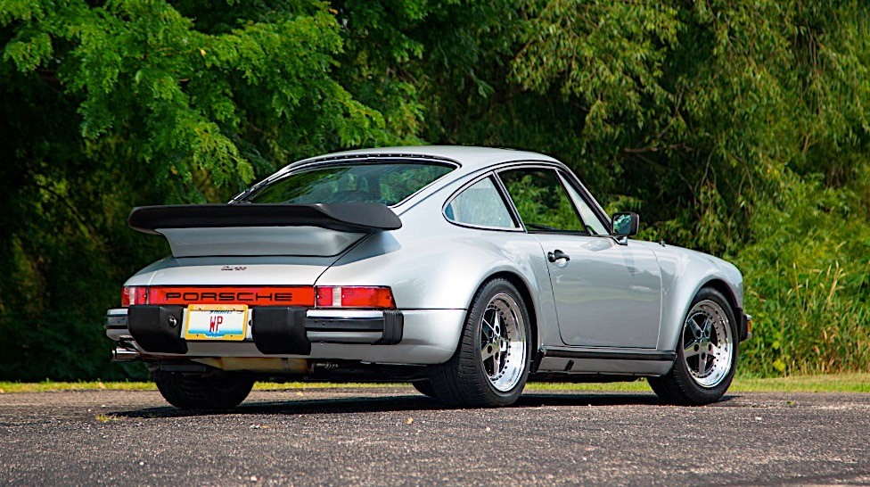 Junk Cars Chicago >> Walter Payton's 1979 Porsche 930 Turbo to Sell in Chicago at Mecum Auction - autoevolution
