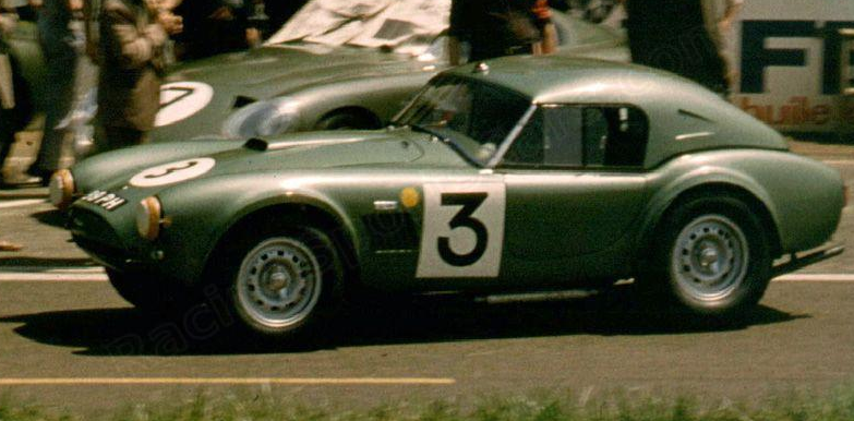 Watch A Pair Of Shelby Cobras Showing Off At Zandvoort