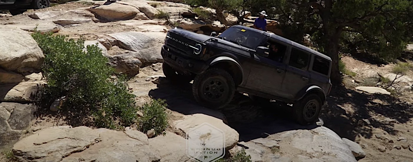 Watch the New Ford Bronco Handle Moab's Trails Like a ...