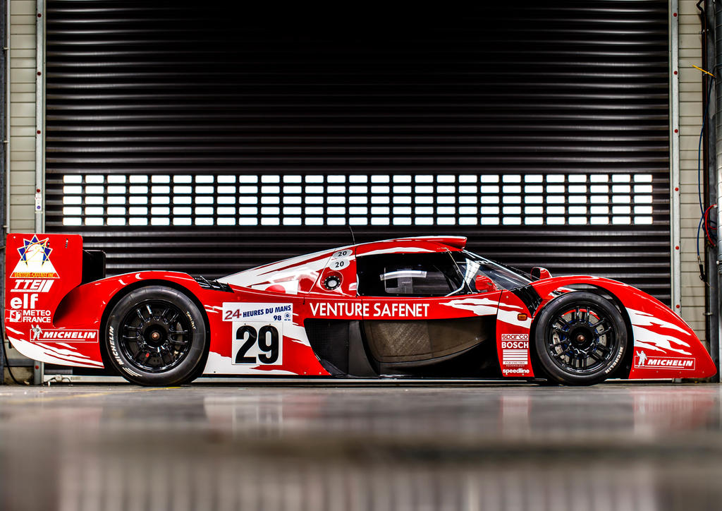 three generations of toyota le mans racers come together autoevolution. Black Bedroom Furniture Sets. Home Design Ideas