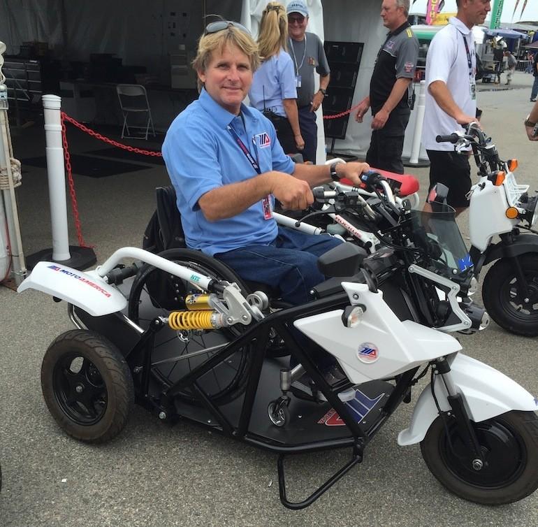Wayne Rainey Rides a Trike from His Wheelchair - autoevolution