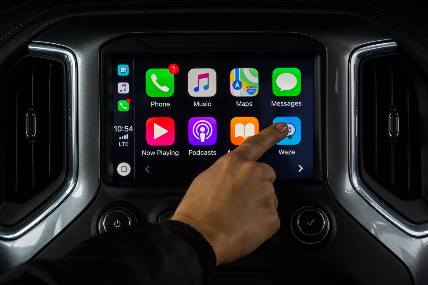 waze now available for apple carplay autoevolution. Black Bedroom Furniture Sets. Home Design Ideas