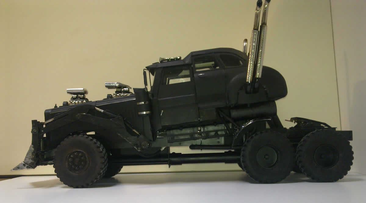 we want these mad max fury road model cars so badly autoevolution. Black Bedroom Furniture Sets. Home Design Ideas
