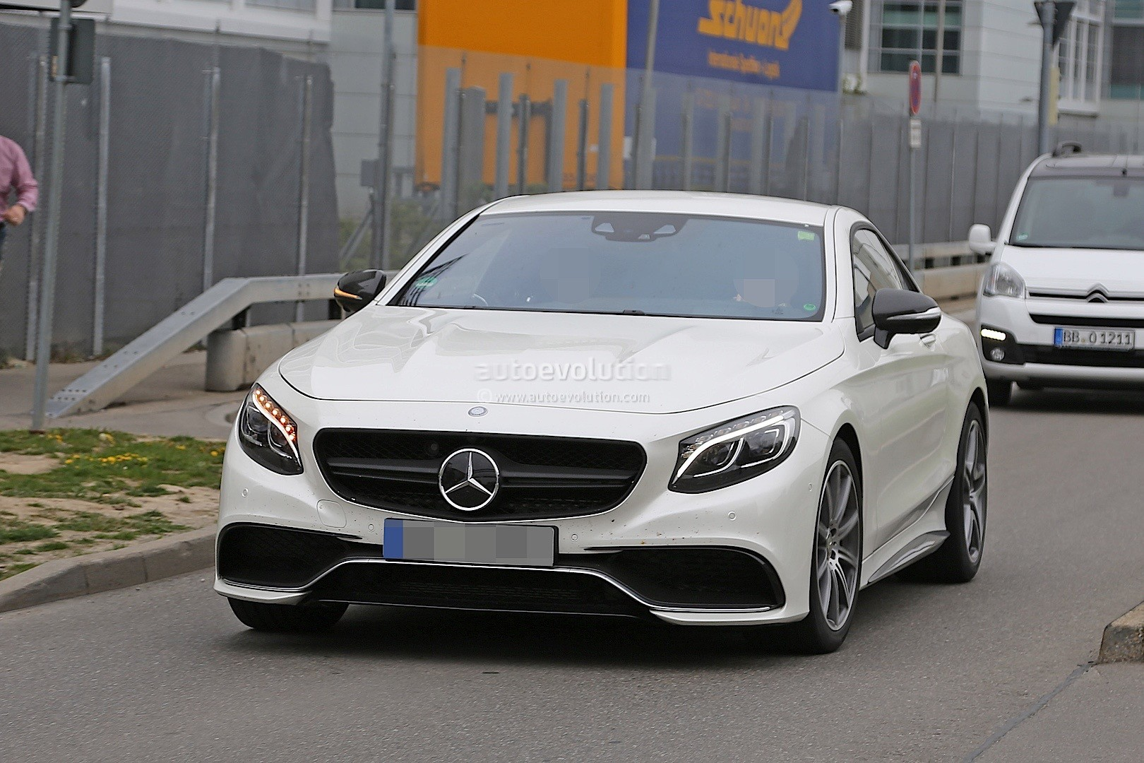 2021 - [Mercedes] SL [R232] What-mercedes-model-is-hiding-under-the-mock-up-bodywork-of-this-s63-coupe_3