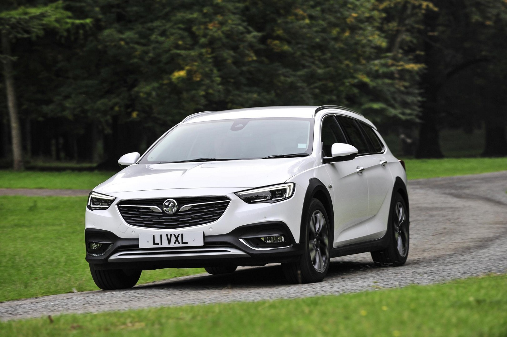 white 2018 vauxhall insignia country tourer shines in new press photos