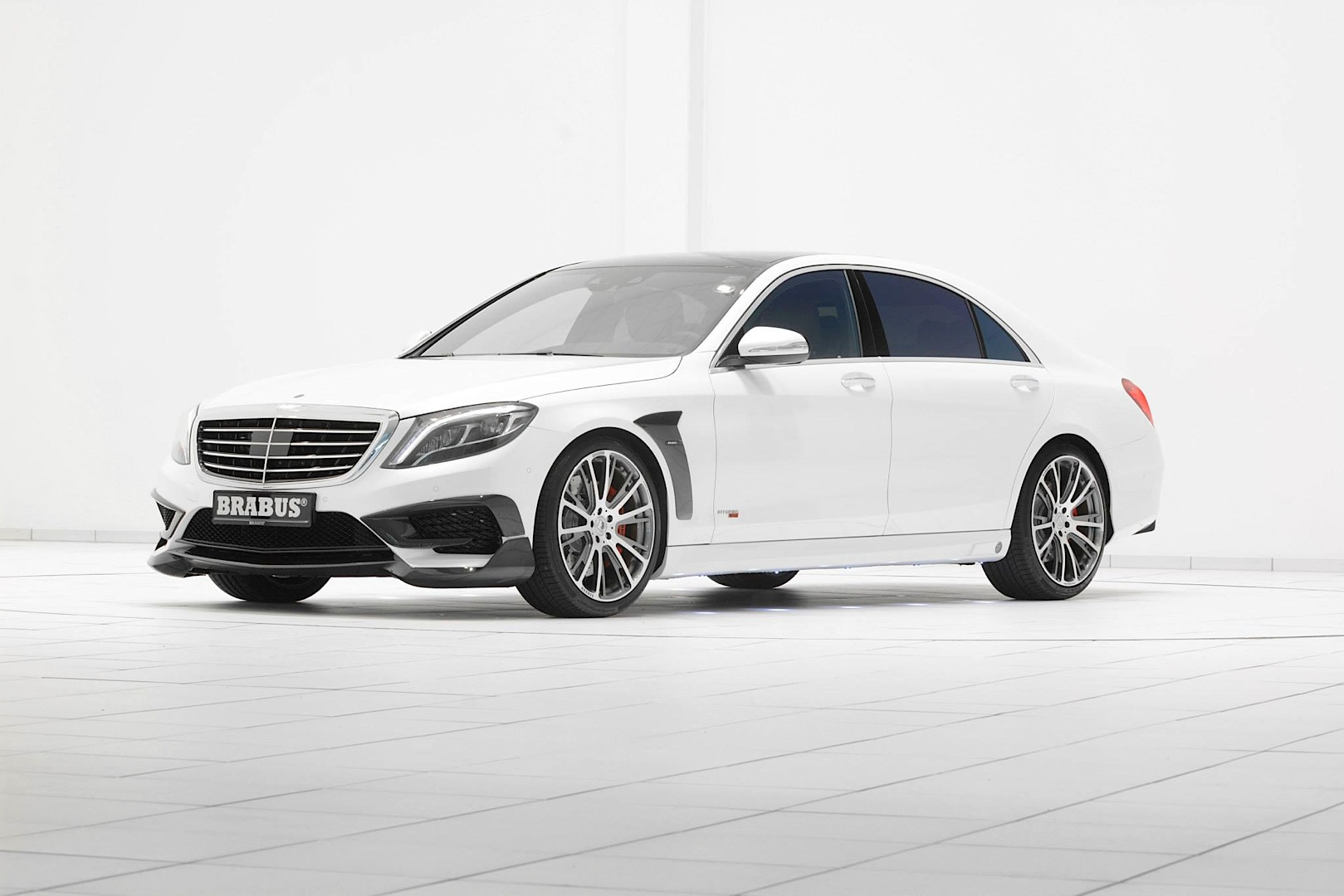 White 850 Hp Brabus S Class Is More Evil Than It Looks