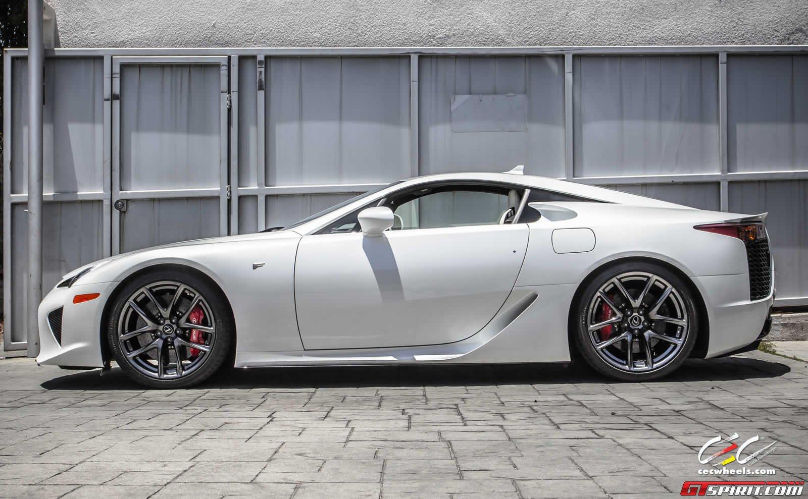 White Lexus Lfa Goes For Sale Autoevolution