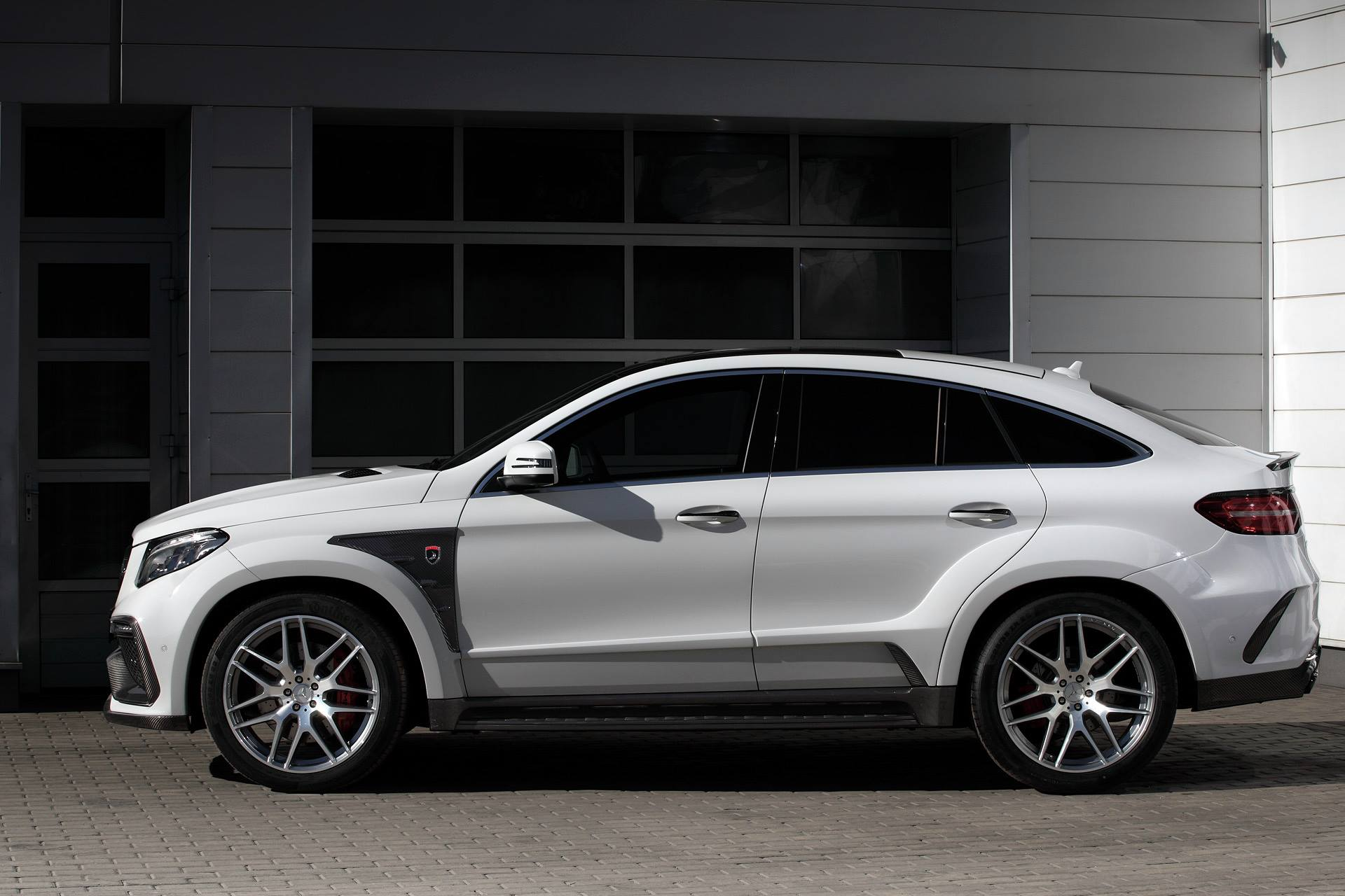 white mercedes gle coupe 63s with topcar inferno kit has. Black Bedroom Furniture Sets. Home Design Ideas