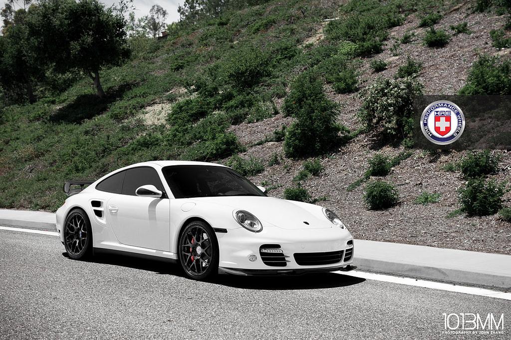 White Porsche 997 Turbo On Hre Wheels Autoevolution