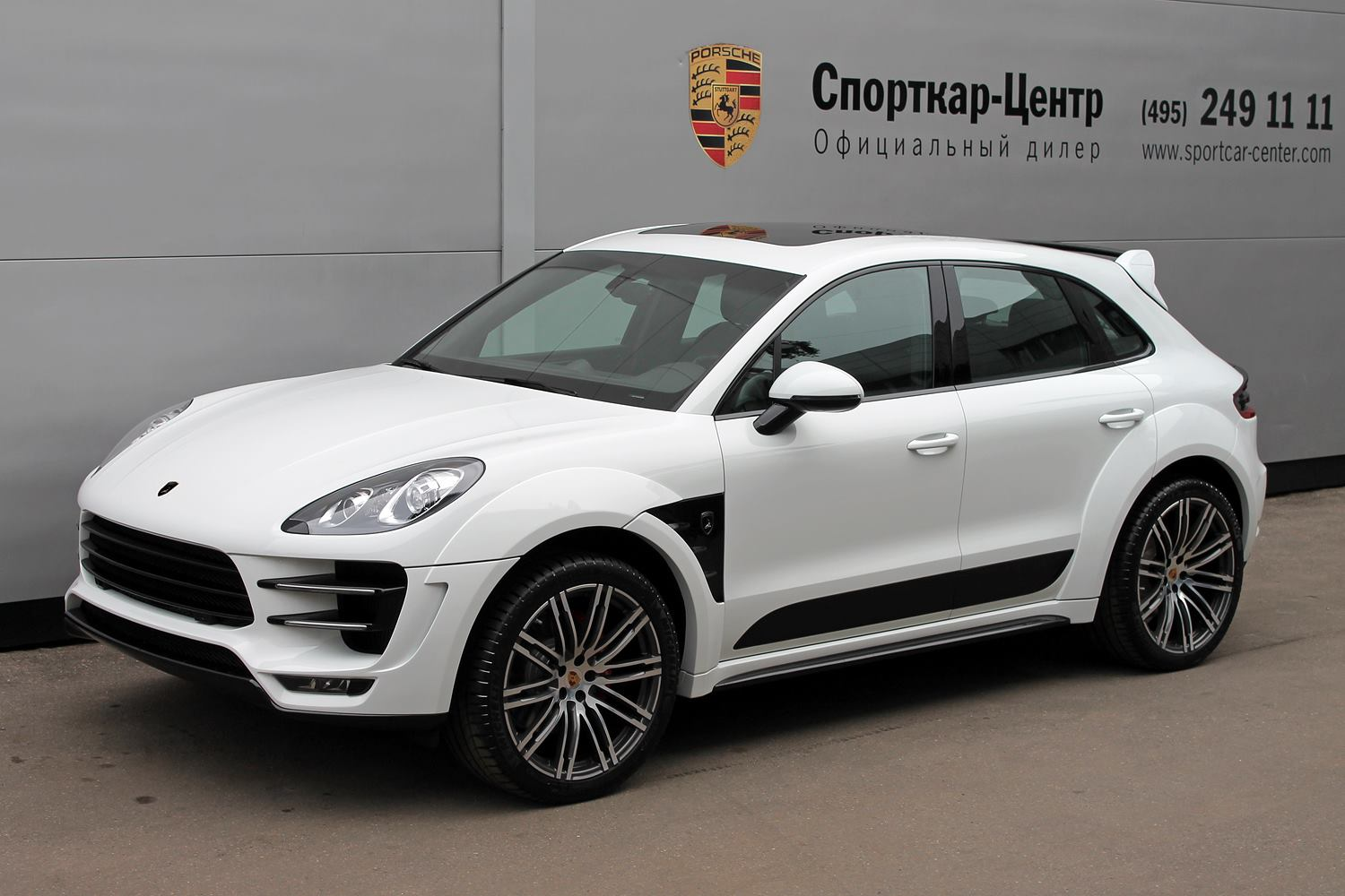 White Porsche Macan Ursa by Topcar for Sale - autoevolution