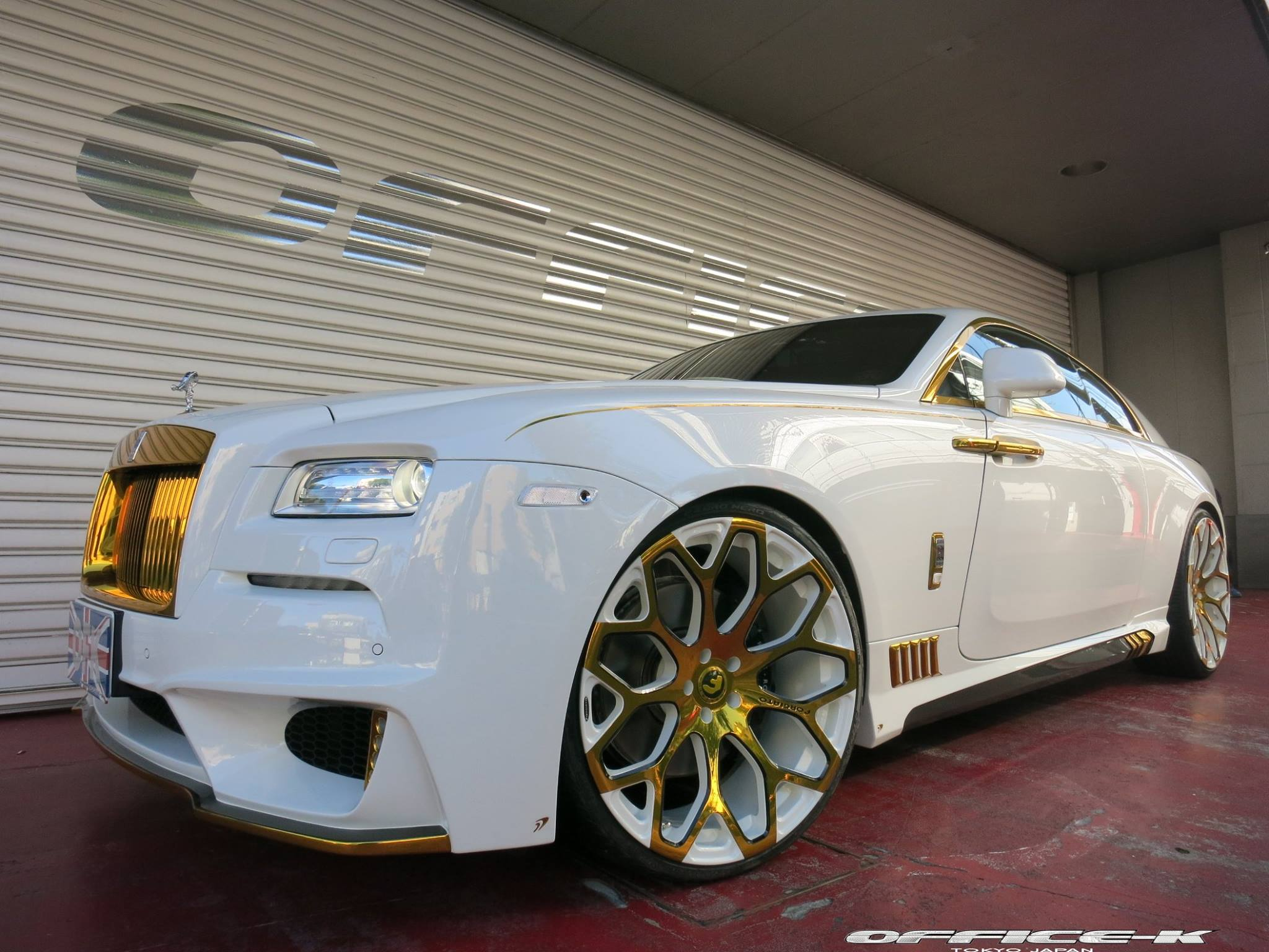 wraith rolls royce white. white rollsroyce wraith with gold accents from officek is an eyesore rolls royce