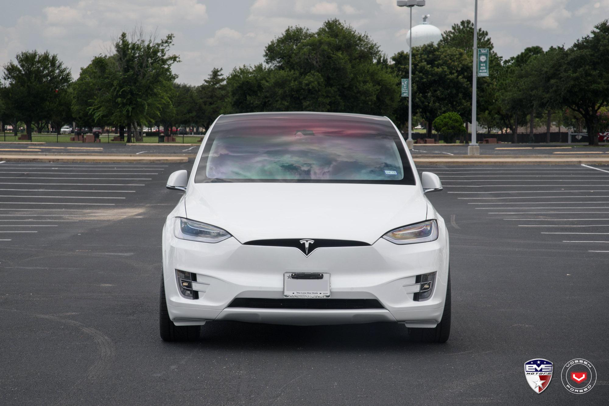 White Tesla Model X Sits On Gold Vossen Forged Wheels Autoevolution