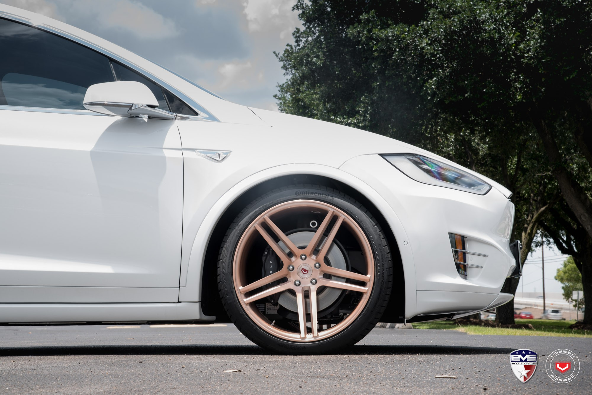 Off Lease Auto >> White Tesla Model X Sits on Gold Vossen Forged Wheels - autoevolution