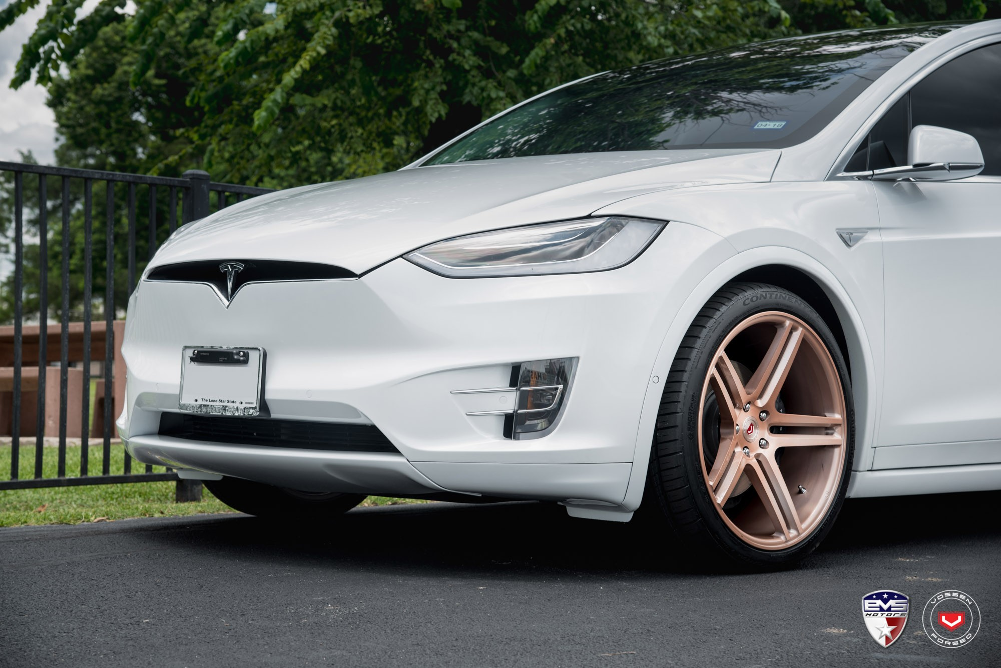 Tesla Model X Range >> White Tesla Model X Sits on Gold Vossen Forged Wheels - autoevolution