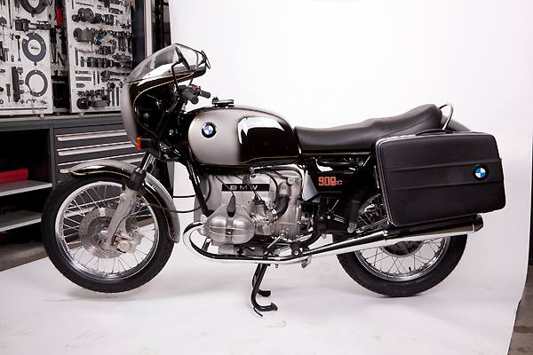 Whole Bmw R90s Assembled From New Catalog Parts