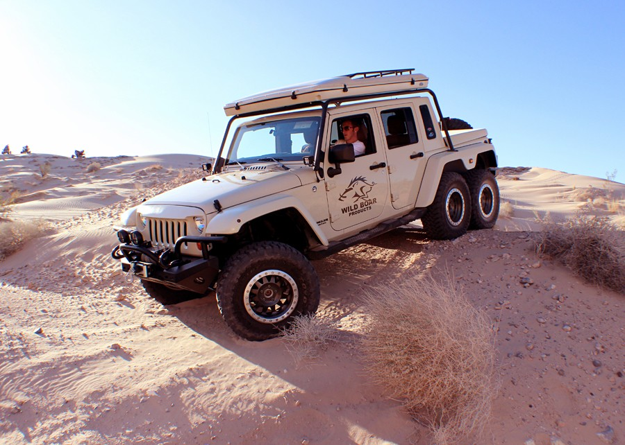 Wild boar jeep wrangler 6x6 has guns and a matching trailer autoevolution