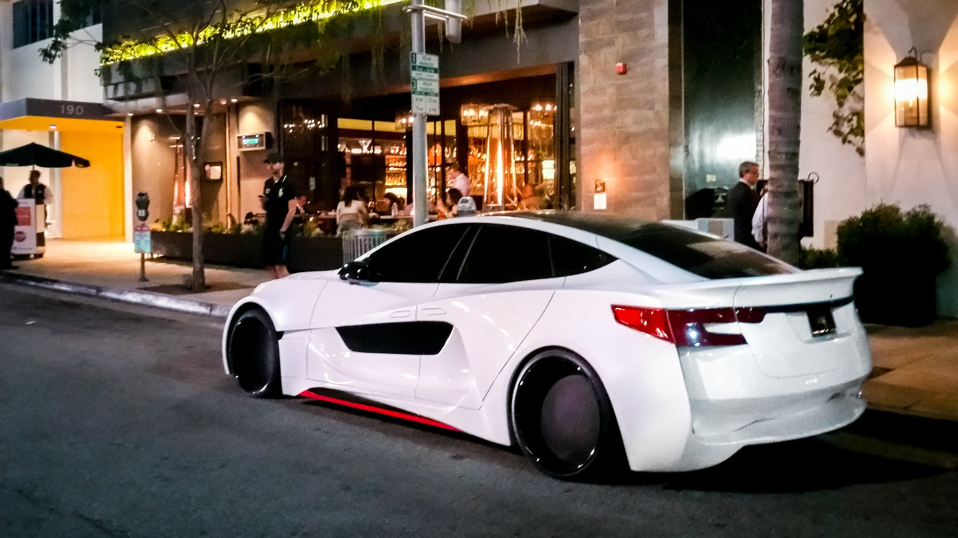 Tesla Model S Custom >> Will I Am Ungkapkan Hasil Kreasi Barunya Super Wide Tesla