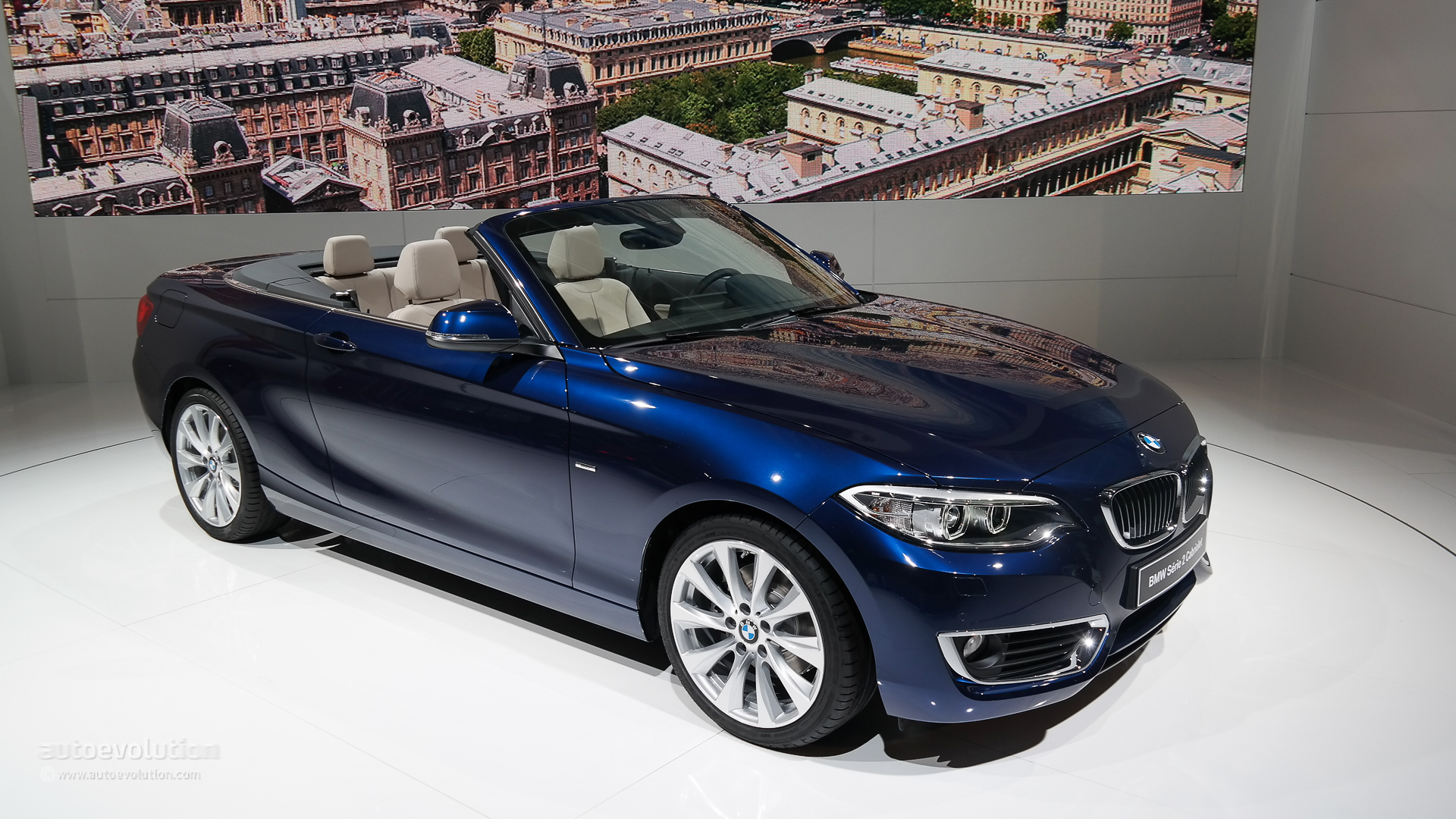 world debut bmw takes the veils off the 2 series convertible at paris live photos autoevolution. Black Bedroom Furniture Sets. Home Design Ideas