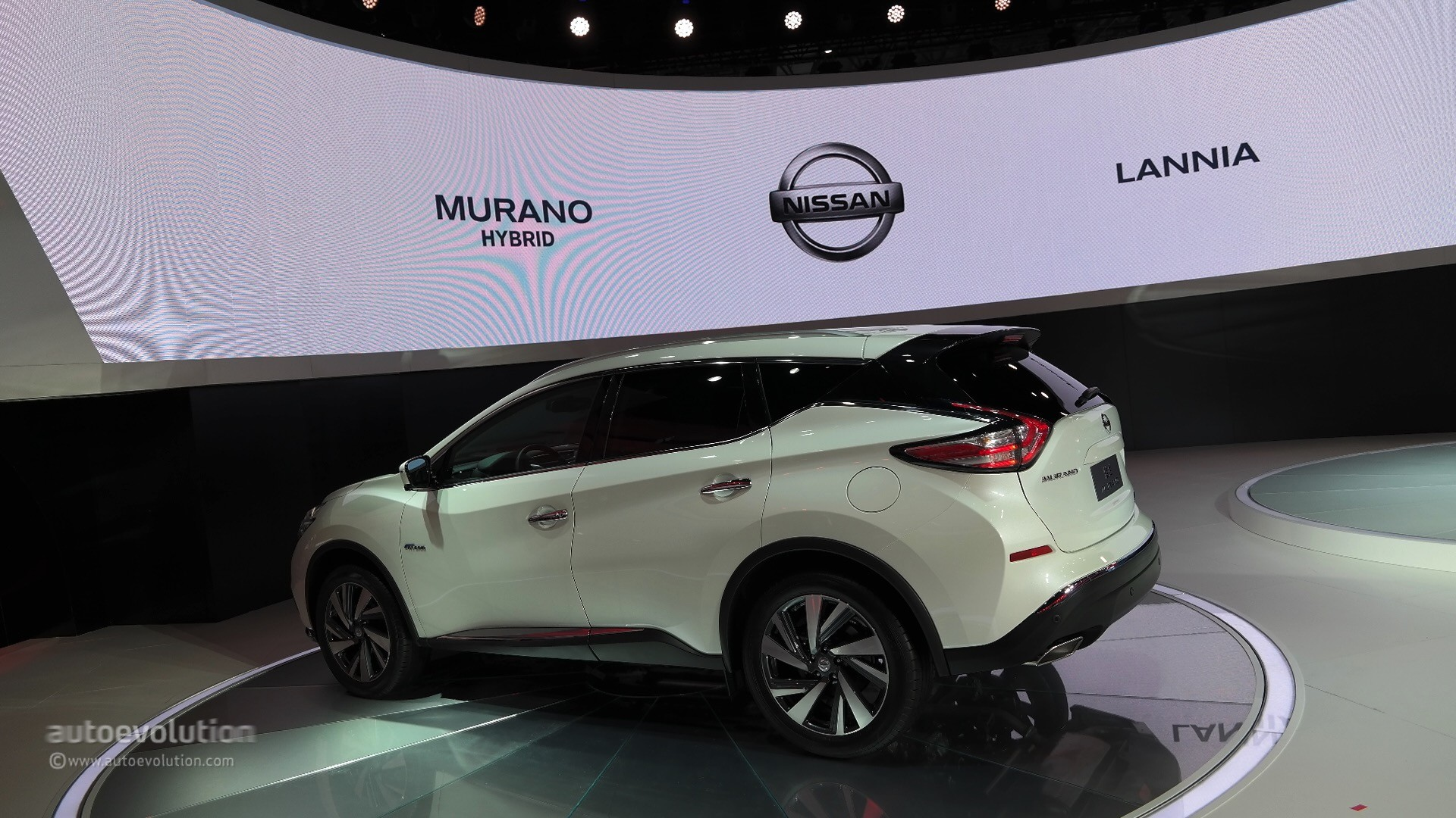 World Premiere for 2016 Nissan Murano Hybrid at Auto ...