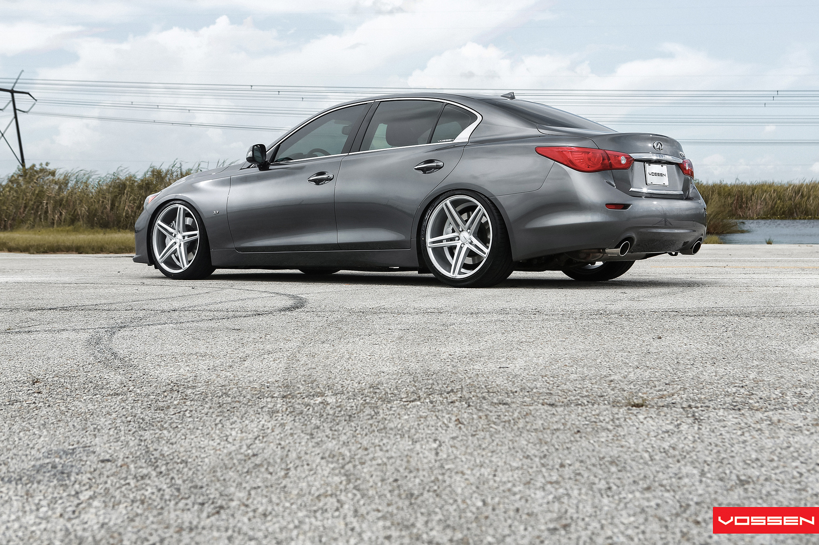 world s first modified 2014 infiniti q50 s gets vossen. Black Bedroom Furniture Sets. Home Design Ideas