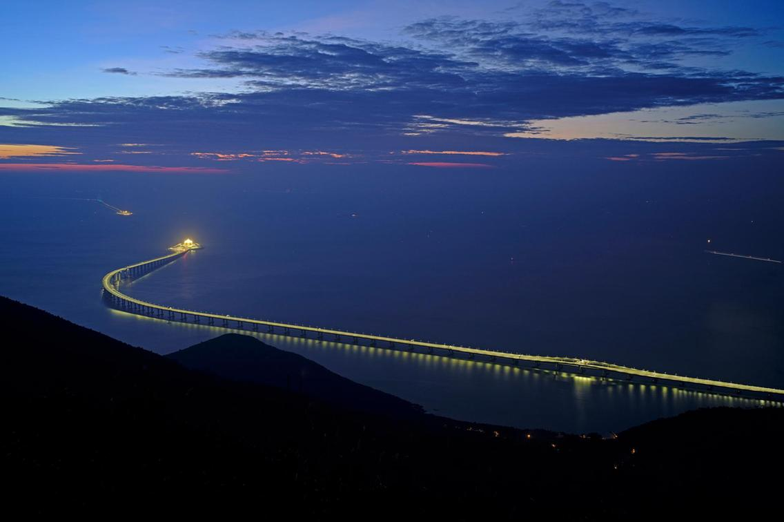 Chinese-made longest sea crossing bridge