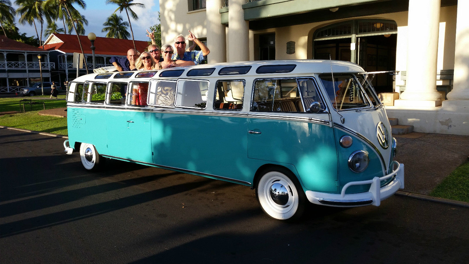 World's Only 1965 Volkswagen Stretch Bus Fits 12 Passengers, Is Up for Grabs - autoevolution