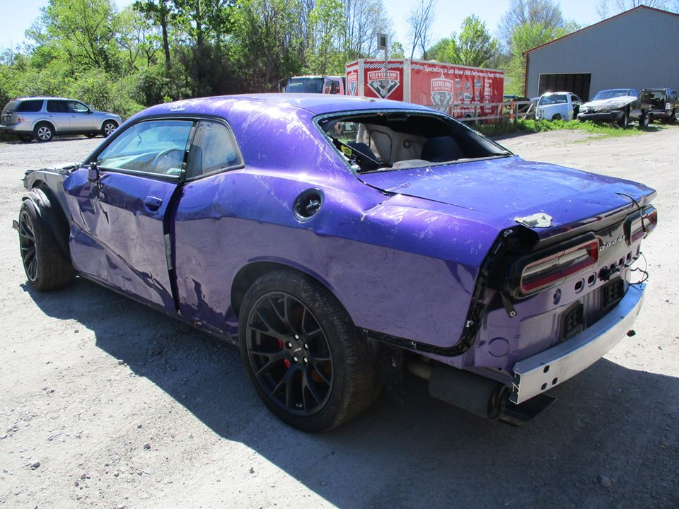 dodge hellcat wrecked for autos post. Black Bedroom Furniture Sets. Home Design Ideas