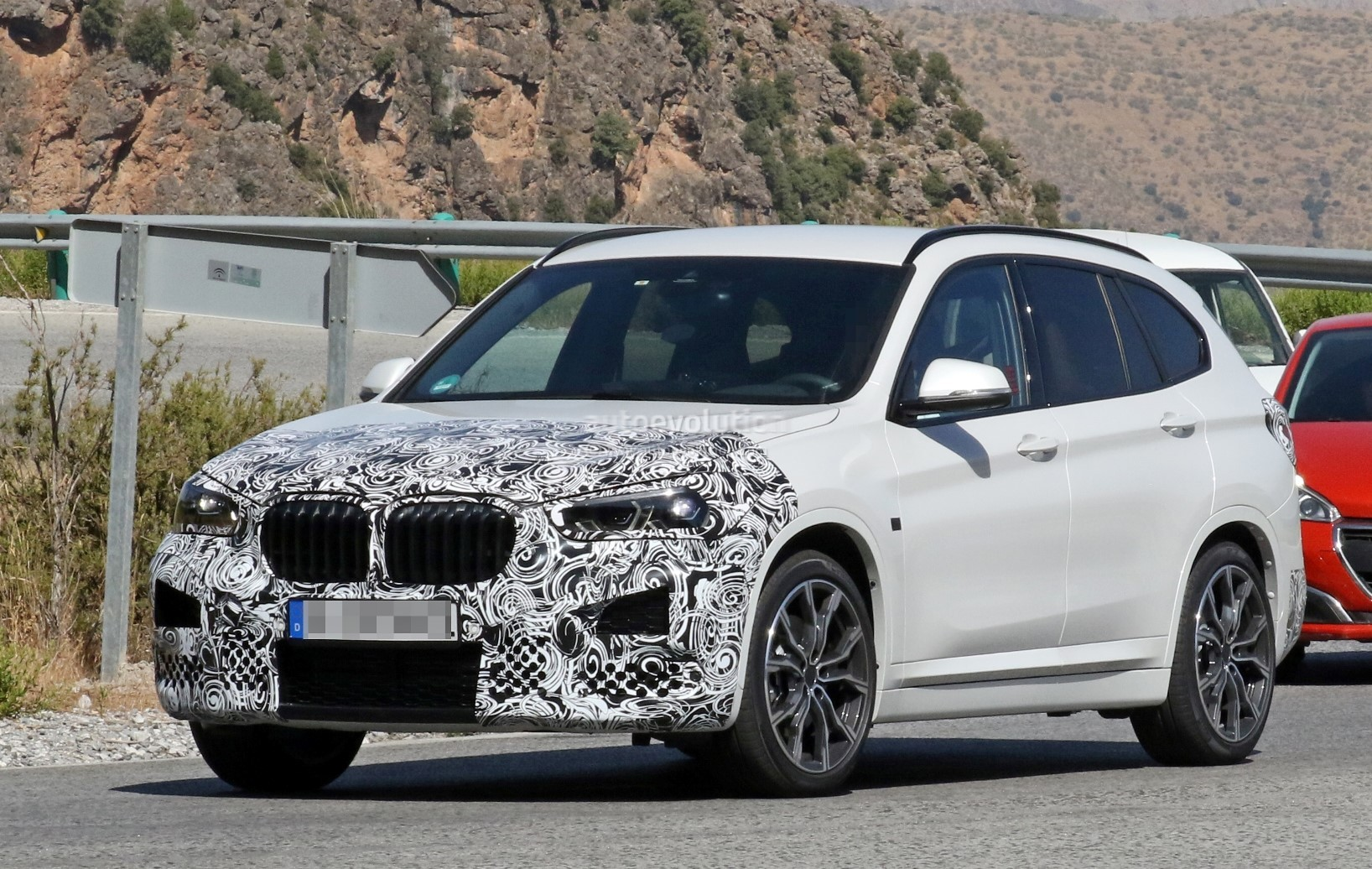 2019 BMW X1 LCI Spied Hot-Weather Testing In Europe ...