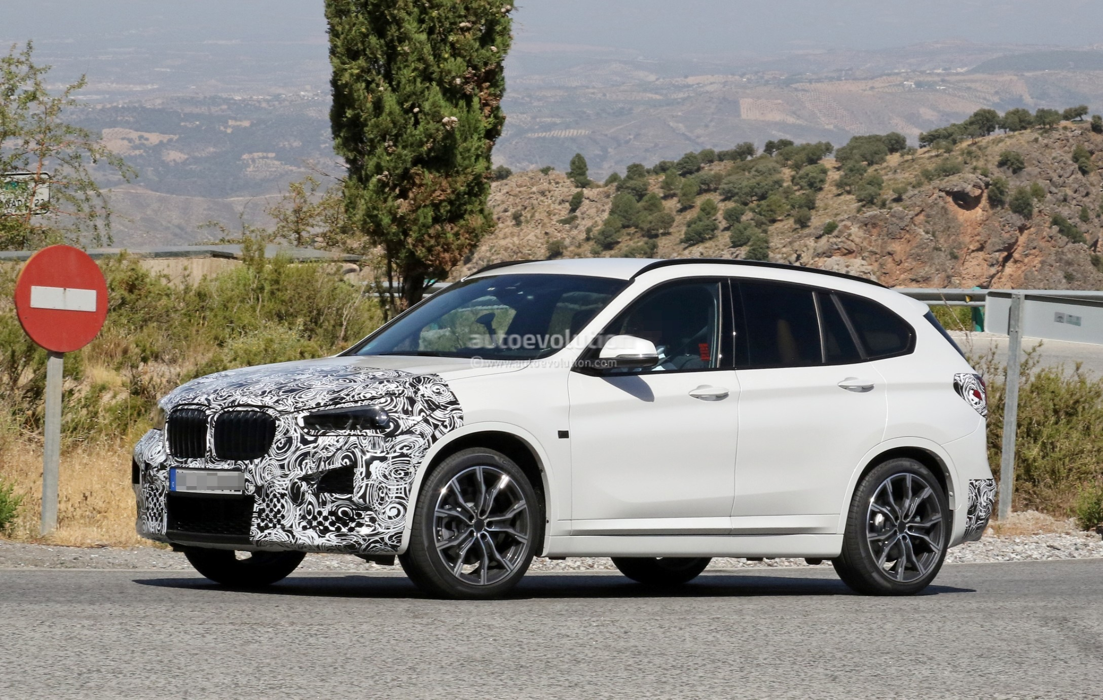 2019 Bmw X1 Lci Spied Hot Weather Testing In Europe