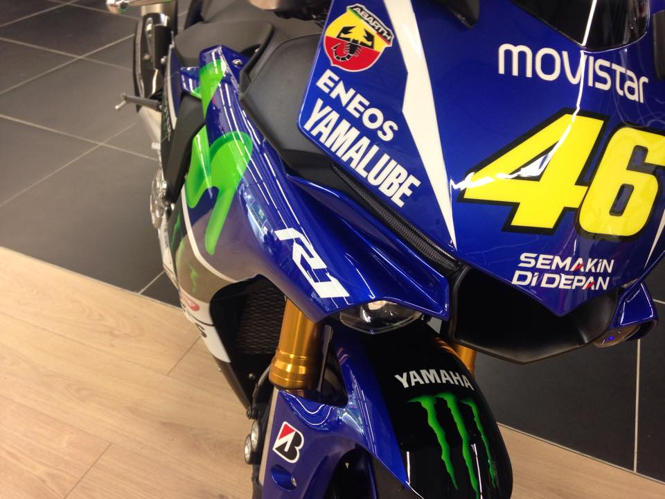 Yamaha r1 looking like valentino rossis m1 up for grabs autoevolution yamaha r1 looking like valentino rossis m1 up for grabs publicscrutiny Images
