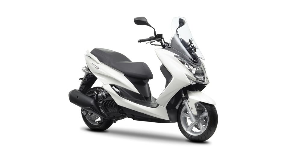 yamaha shows the new majesty s 125cc scooter autoevolution. Black Bedroom Furniture Sets. Home Design Ideas