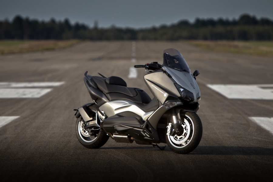 Yamaha Tmax Hypermodified By Larazeth Is A 200 Km H 124