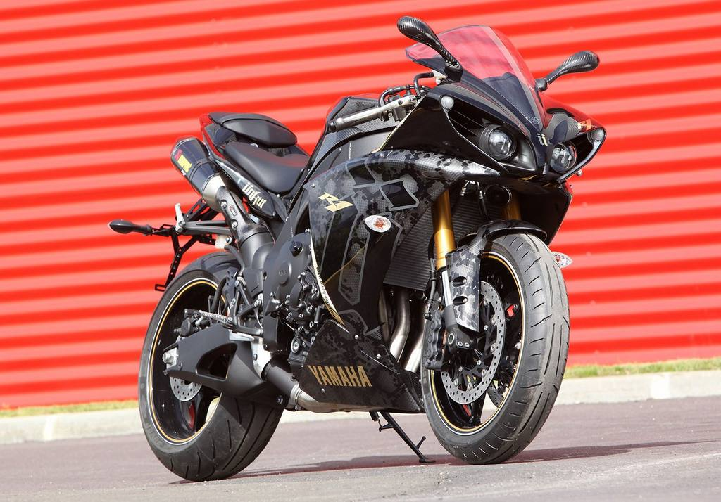 Yamaha Yzf R1 220 Nkut For French Rapper Booba Autoevolution