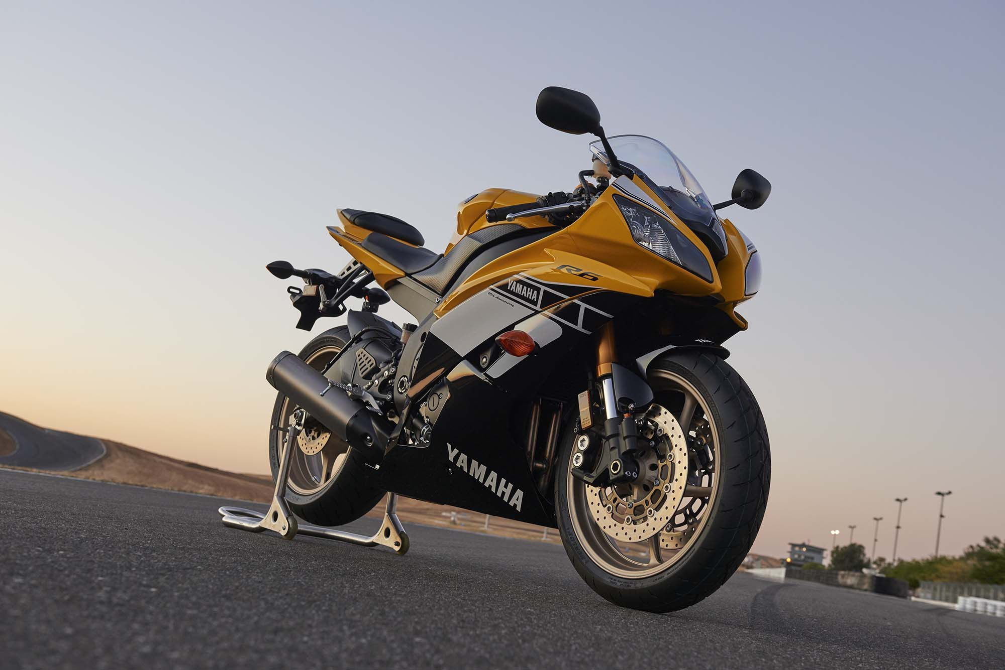 Yamaha Yzf R6 And Super Tenere Available In 60th
