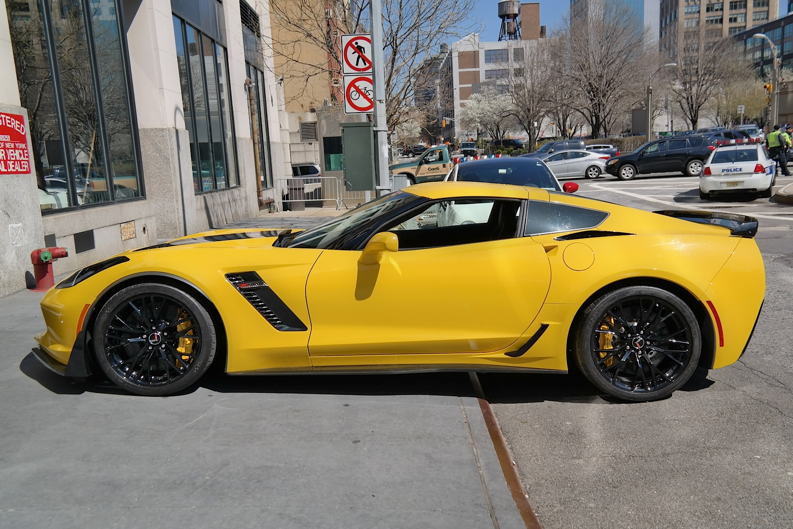 Yellow 2015 Corvette Z06 Coupe Spotted at New York Event - autoevolution