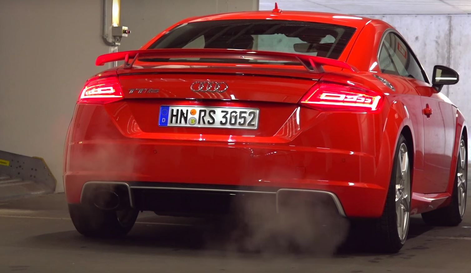 We ve got three in depth reviews from youtuber automann tv covering everything from the cold start of that brutal 2 5 liter turbo to acceleration tests and