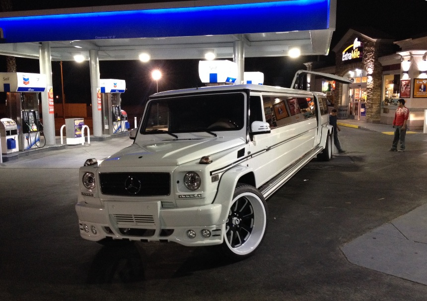 Yes This Is A Six Wheeled G 55 Amg Limo Autoevolution