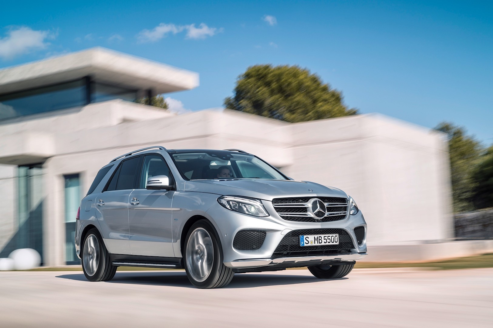 You can have the mercedes benz gle for a starting price of for How much do mercedes benz cost