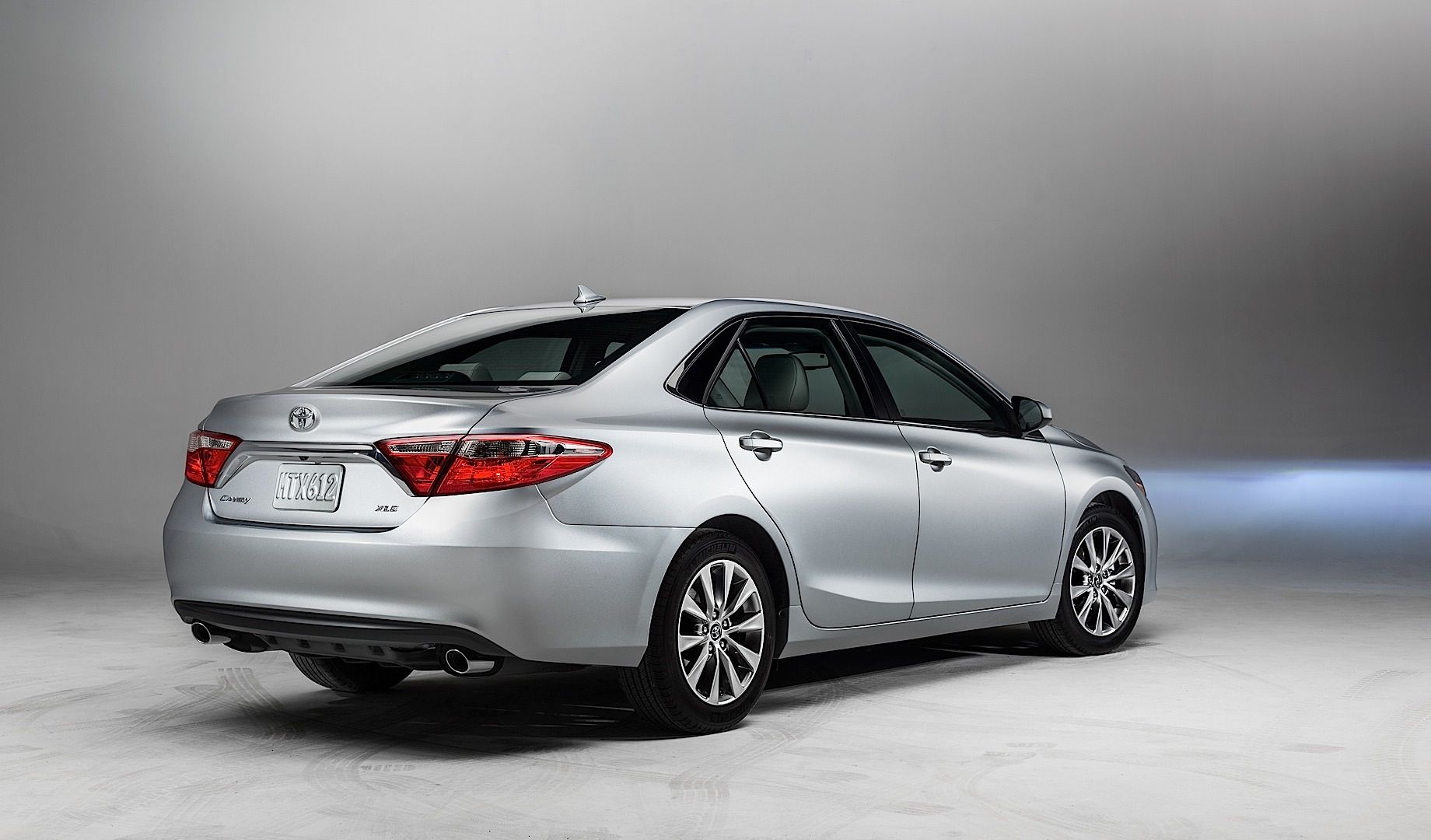 Your New 2015 Toyota Camry Starts At 22 970 Autoevolution