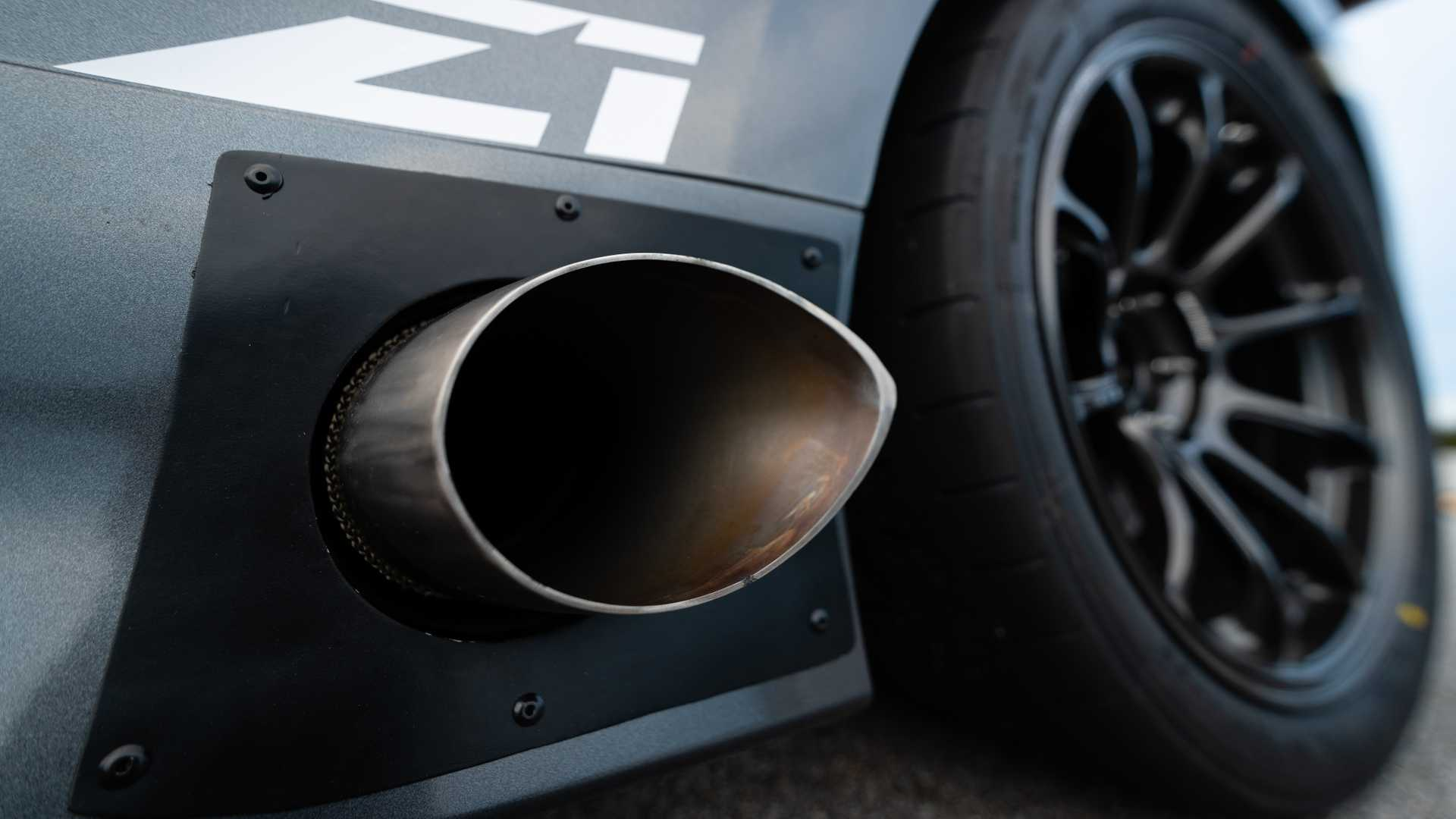 Z1 Motorsports Nissan 370z Boasts Side Exit Exhaust System Extreme Rear Wing Autoevolution