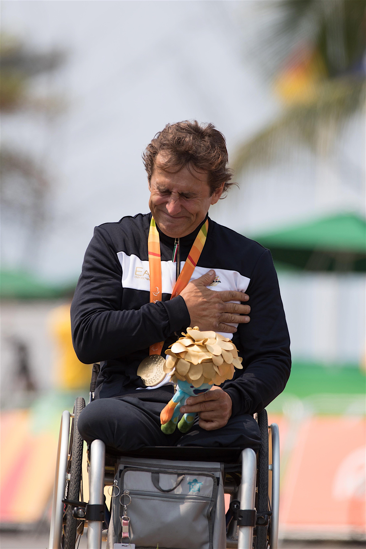 Alessandro Zanardi Wins Gold Medal In Paralympic Hand