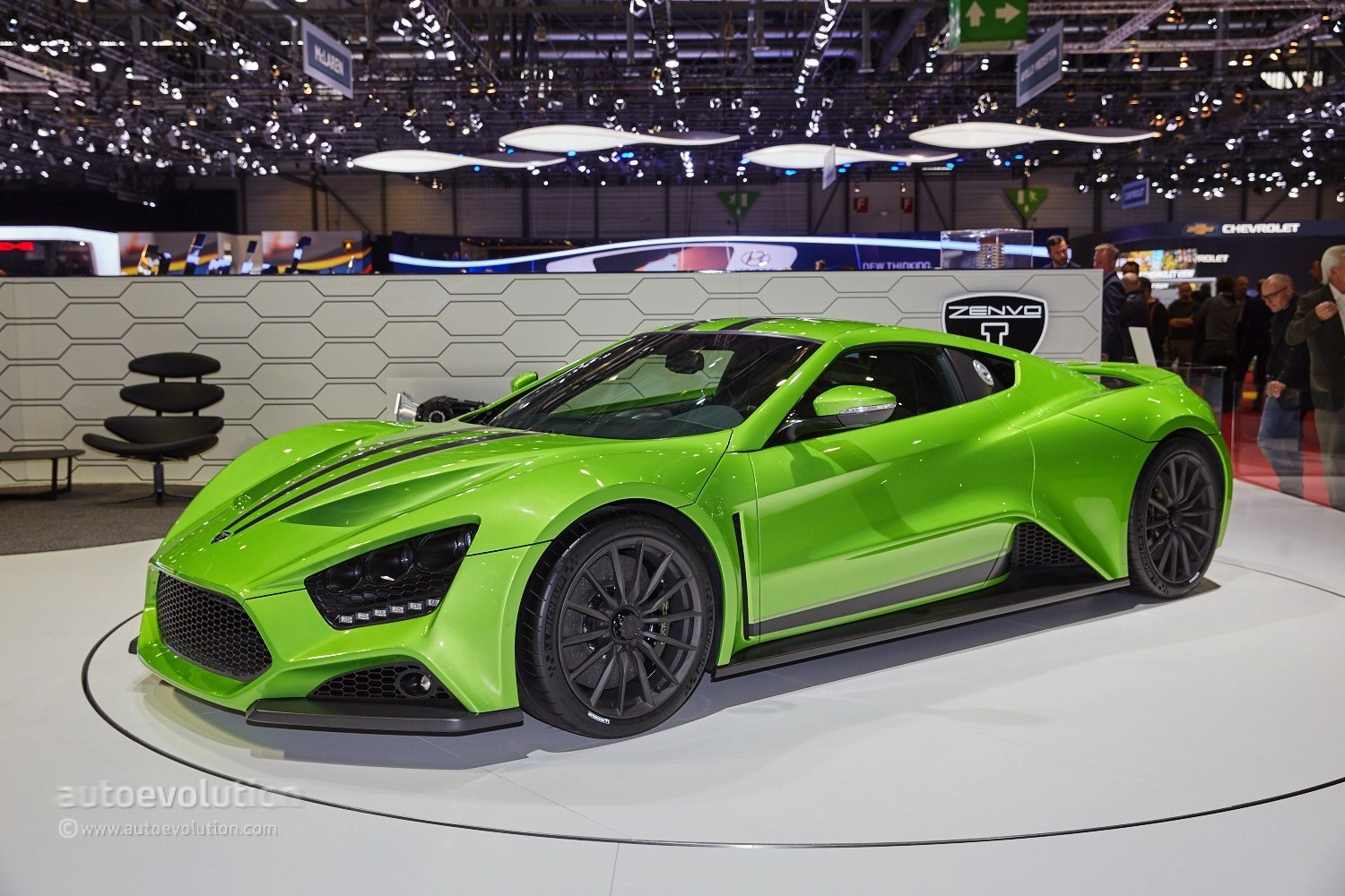zenvo st1 supercar shows up in geneva with new transmission