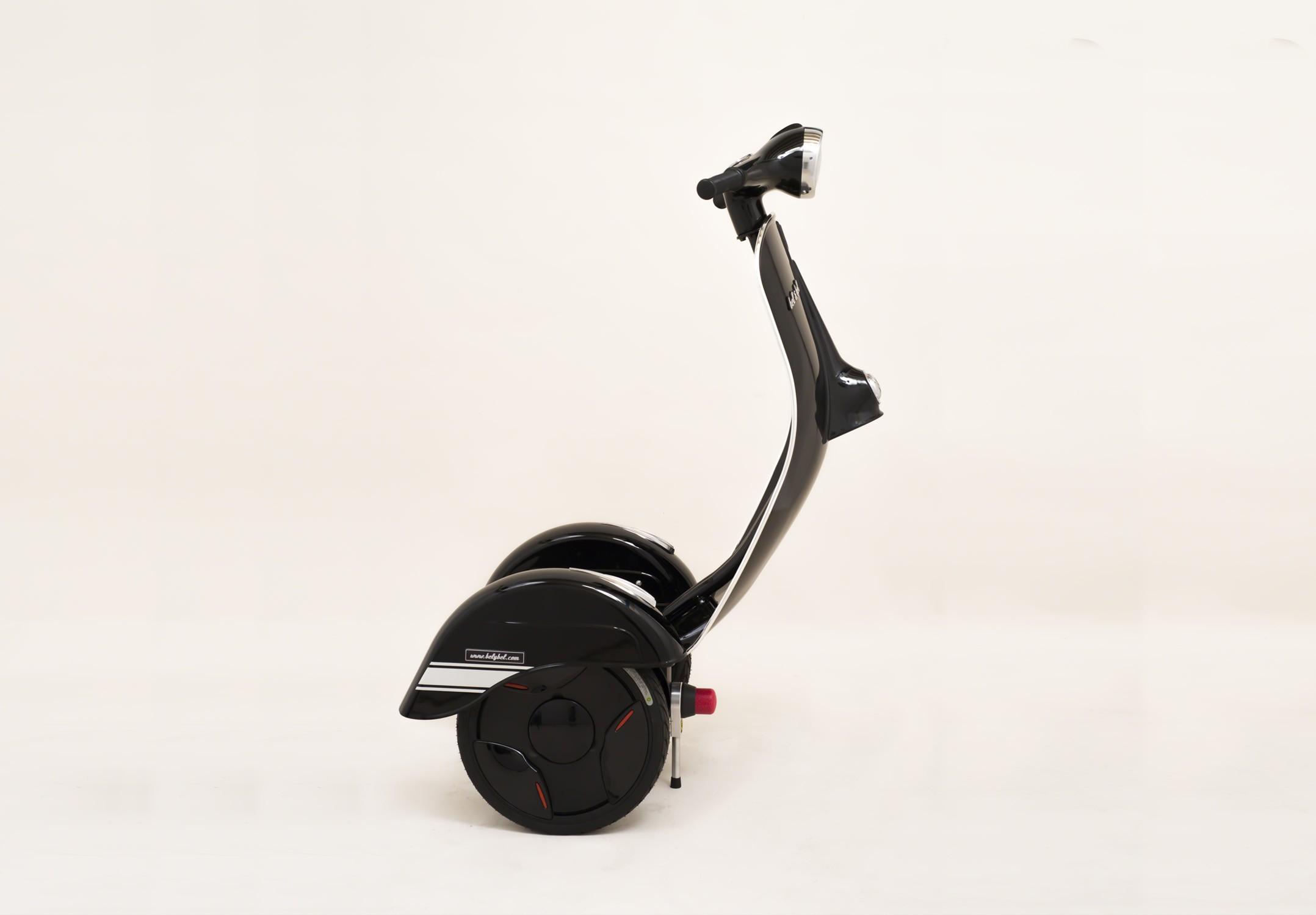 segway 39 s new sr 3 three wheeler police patroller autoevolution. Black Bedroom Furniture Sets. Home Design Ideas