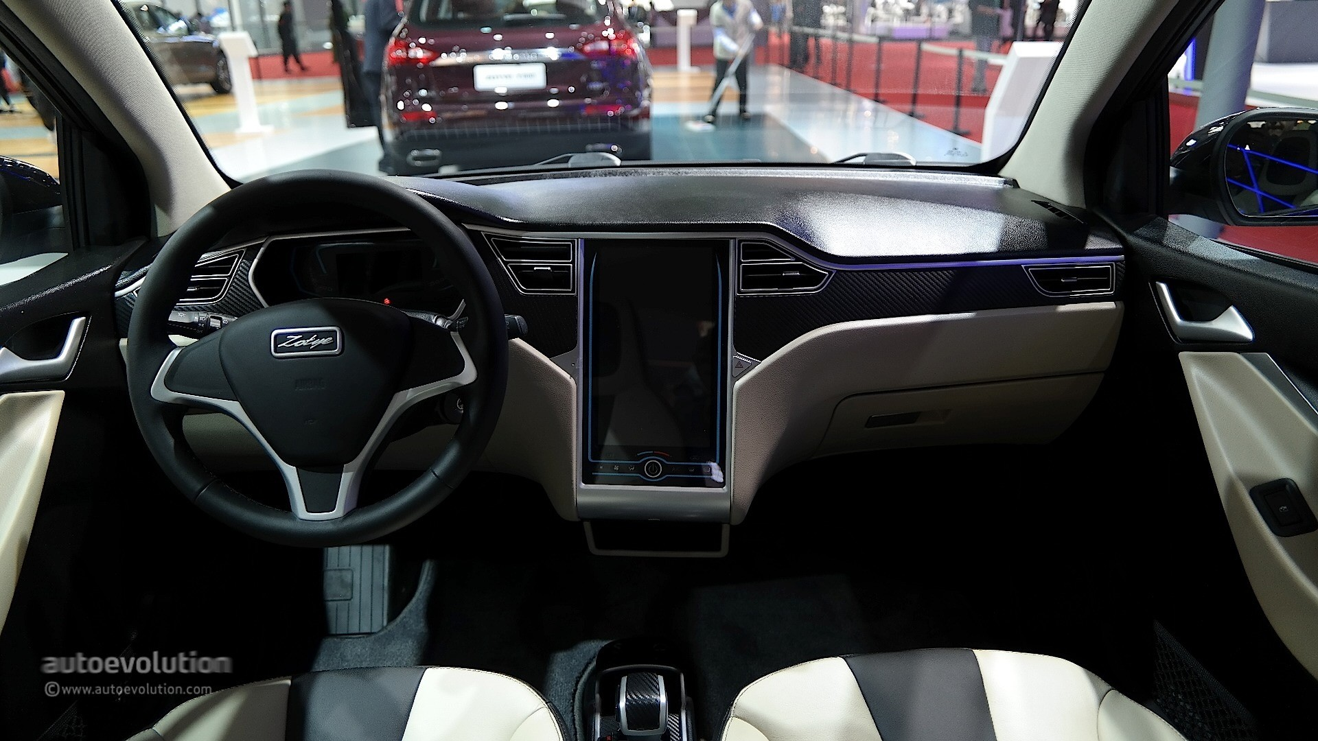 2015 - [Chine] Salon Auto de Shanghai - Page 2 Zotye-e30-ev-shoves-a-tesla-model-s-dashboard-inside-a-smart-chinese-copycat-live-photos_8