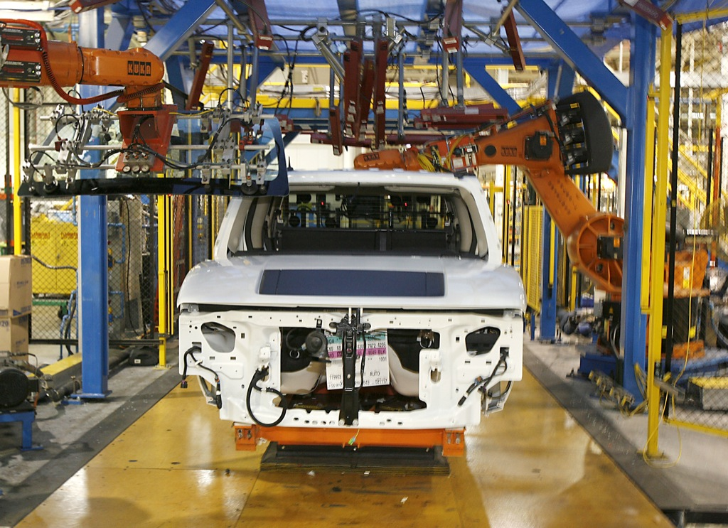 General Motors To Slash Workforce By 10 000 Employees