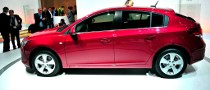 Geneva 2011: Chevrolet Cruze Hatchback [Live Photos]